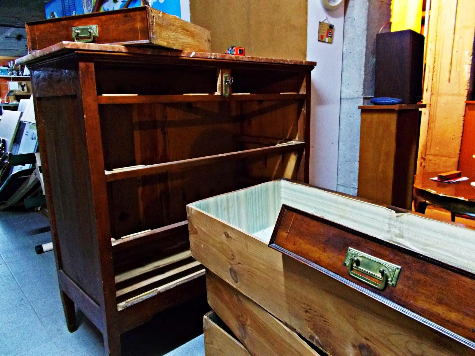 DIY-decoración-cómoda-mueble-restaurar-forrar-cajones-tela-leopardo-2