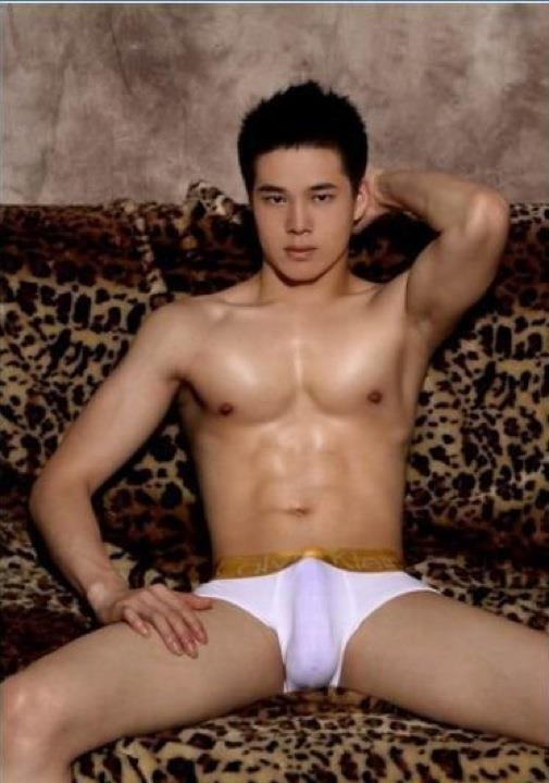 nude model male pinoy erect