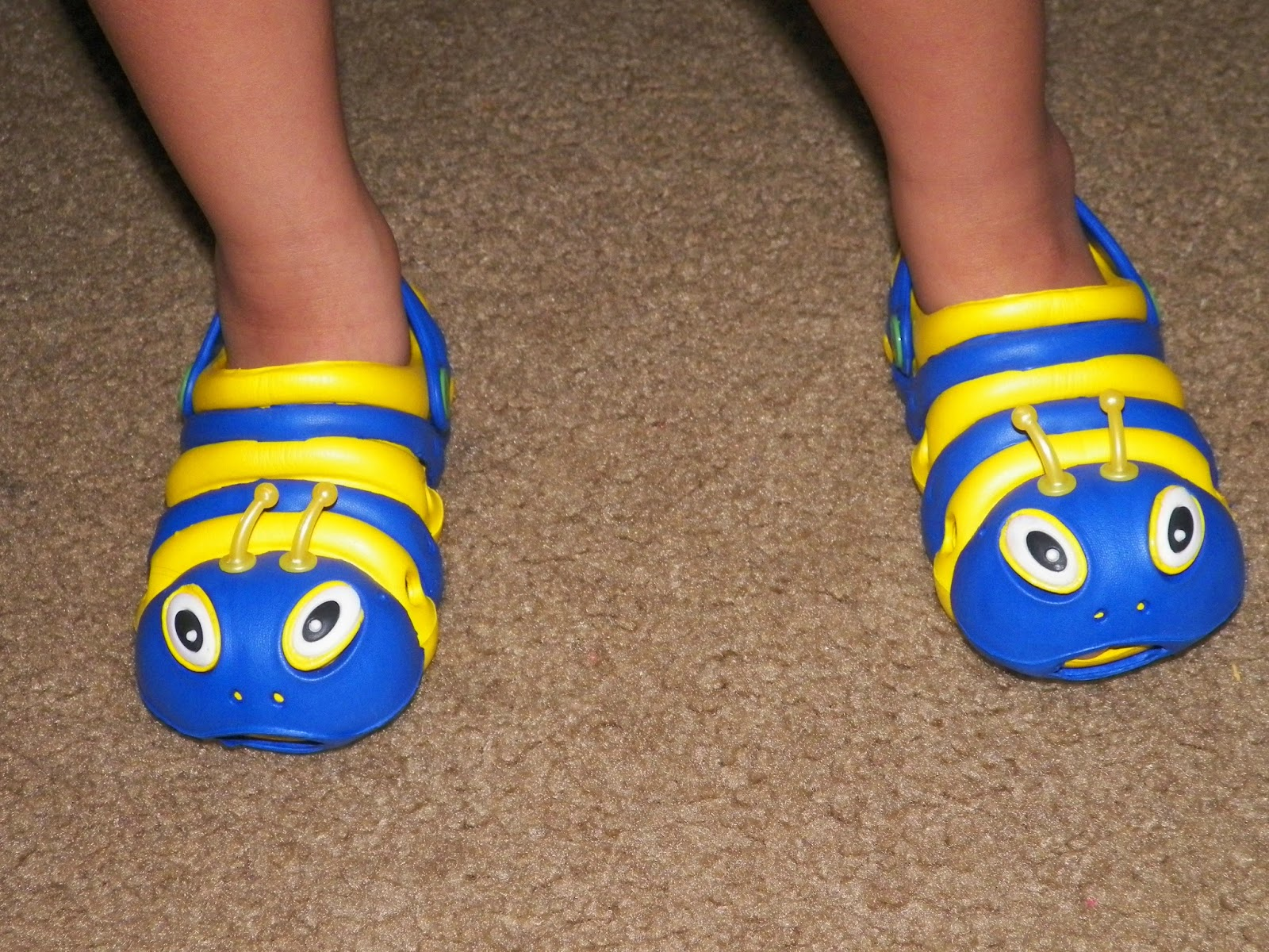 Catterpillar_Clogs_By_Clogstrom.jpg