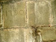 Detall de la Font Gran amb la data de 1790