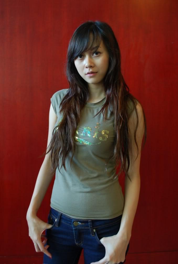 Artis Design Singapore : Foto dan profile artis aura kasih indonesia