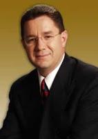 Dr. Camilo Cruz