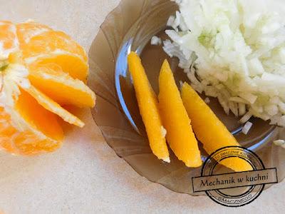 Filetowanie pomarańczy biała część pomarańczy usuwanie owoce egzotyczne danie starter przyjęcie świąteczny stół Boże Narodzenie wielkanoc