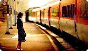 暧昧是,比好朋友亲一点,但比恋人远一点;暧昧是,你会不时去看他的msn有没有更新,会留意他的字里行间对你有没有什么暗示;暧昧是,有感觉,然而,你们却没有在一起。