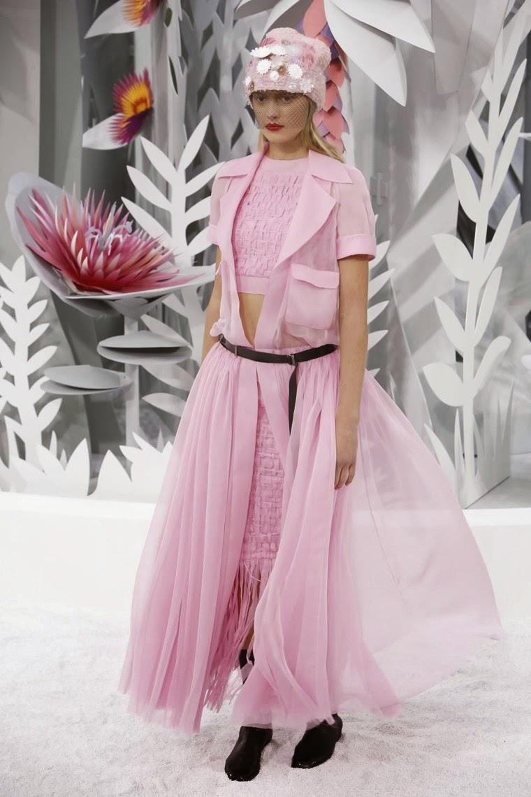 Chanel spring summer 2015, Chanel ss15, Chanel, Chanel couture, Chanel haute coutrue, du dessin aux podiums, dudessinauxpodiums, karl lagerfeld, chanel 4, keira knightley chanel, parfum lagerfeld, purses for cheap, lagerfeld cologne, chanel handbags on sale, karl lagerfeld boyfriend, karl lagerfeld instagram, karl lagerfeld quotes, fashion week paris, paris fashion week, chanel couture 2014, paris mode, chanel quotes, chanel france, coco chanel logo, coco chanel biography, fashion runway, chanel wallpaper, chanel model, karl lagerfeld chanel, paris couture, paris haute couture, haute couture, paris haute couture fashion week, kendall jenner chanel