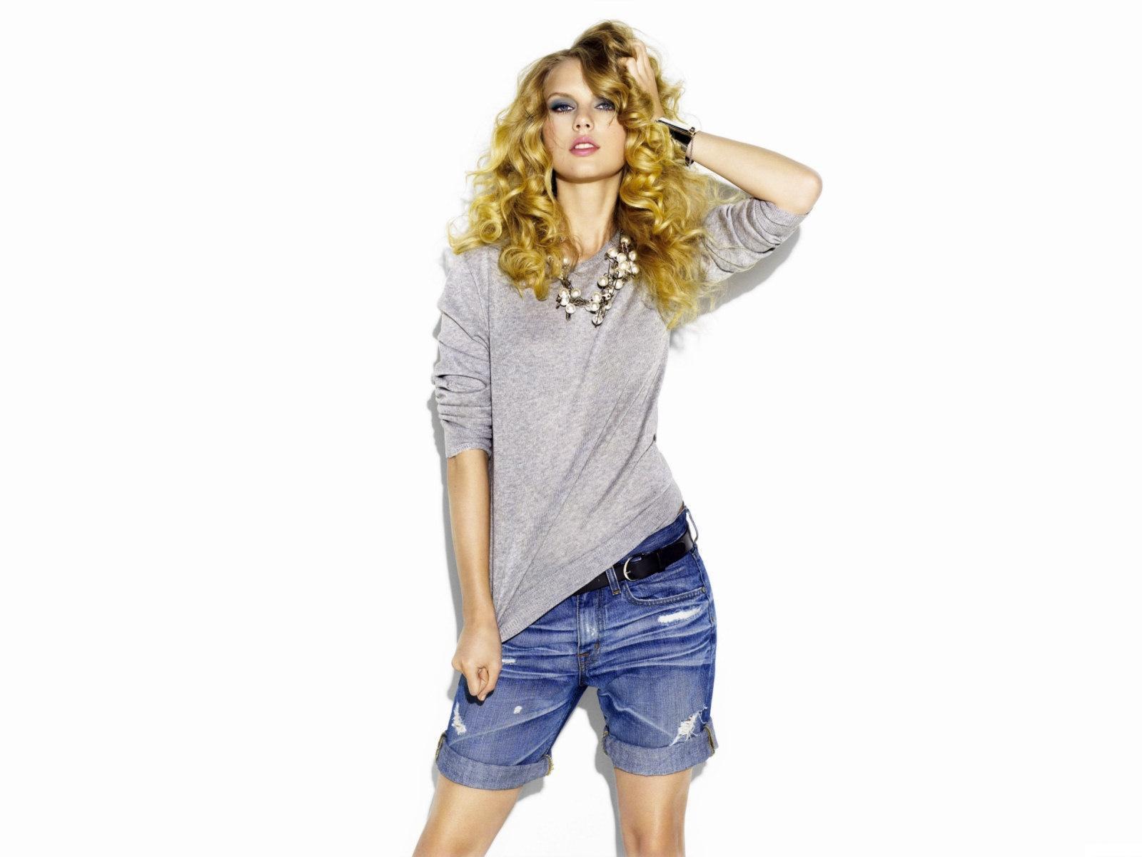 http://3.bp.blogspot.com/-bLfVjtICHR0/TZZVQtHhOqI/AAAAAAAABjk/bAsbVxm2OjA/s1600/Taylor-Swift-010.jpg