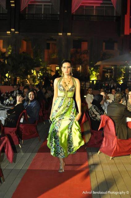 luxueux caftan 2013 caftan marocain boutique 2018 vente caftan au maroc france. Black Bedroom Furniture Sets. Home Design Ideas