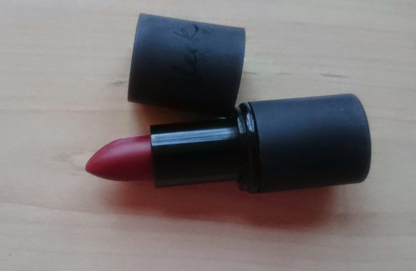 sleek lipstick in vamp