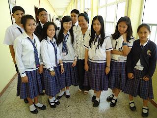 Baju uniform sekolah Filipina
