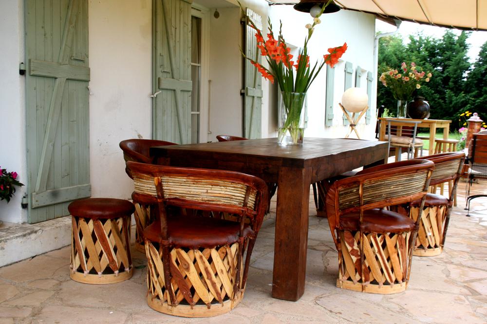 table terrasse bois exotique diverses id es de conception de patio en bois pour. Black Bedroom Furniture Sets. Home Design Ideas