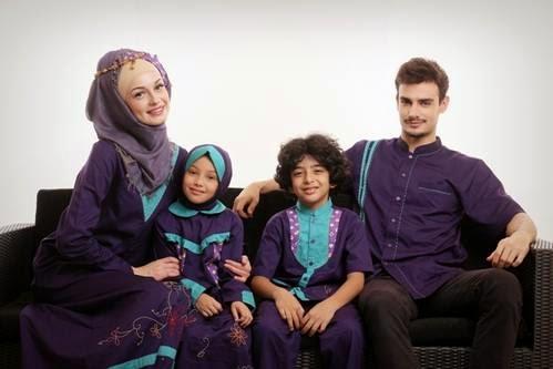 gambar model baju muslim keluarga terbaru saat ini