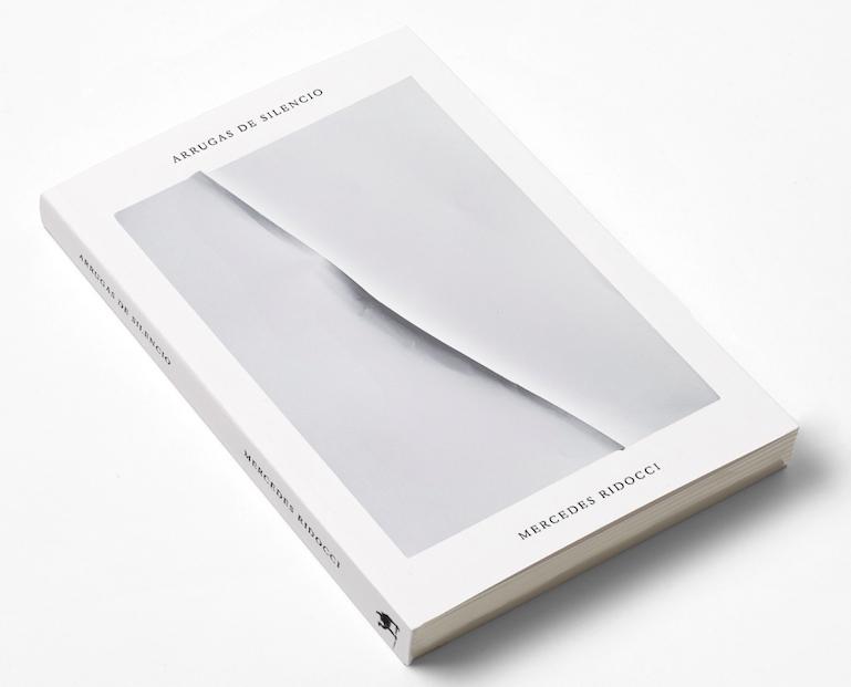 """Poemario"""" Arrugas de silencio"""" - Mercedes Ridocci"""