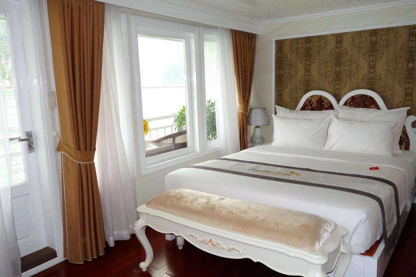 Halong Bay Vietnam Signature Cruise