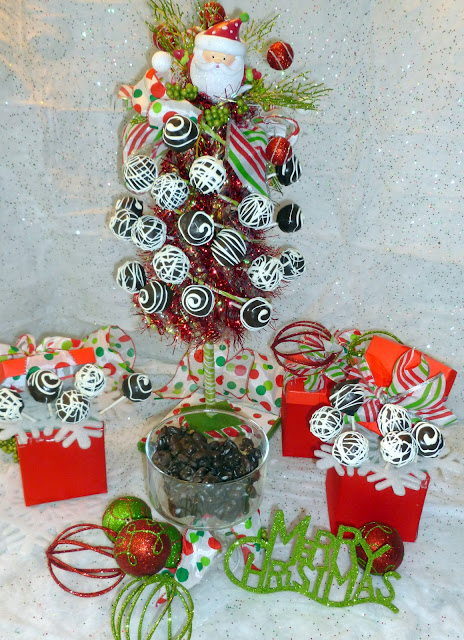 "alt=""oreo cake pops tutorial and ways to display Christmas candy"""