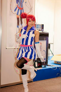 Kipi cosplay as Vocaloid Akikoloid