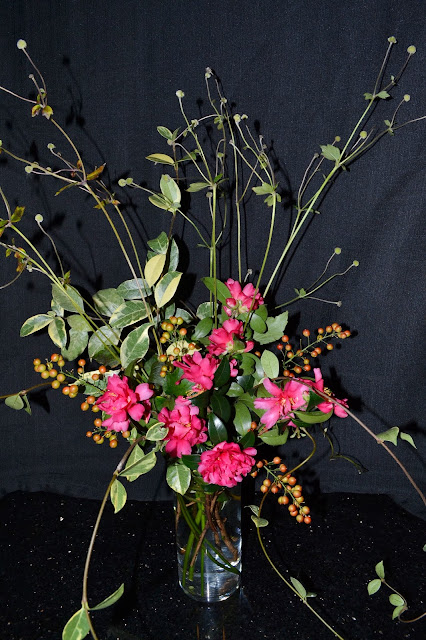 Japanese anemone, camellias, berries, http://growingdays.blogspot.com