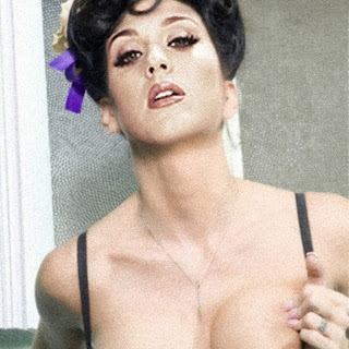 Katy Perry topless in private Twitter photo HQ