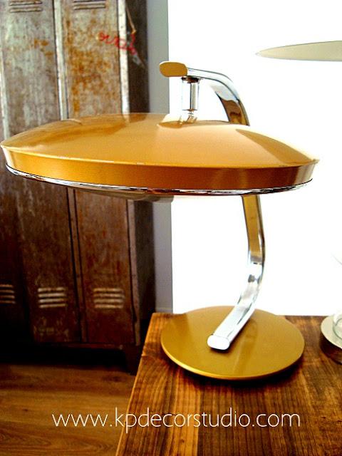 Comprar lámpara de mesa Fase color dorado barata auténtica