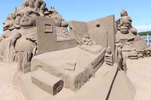 bed sand sculpture at weston sand festival 2015
