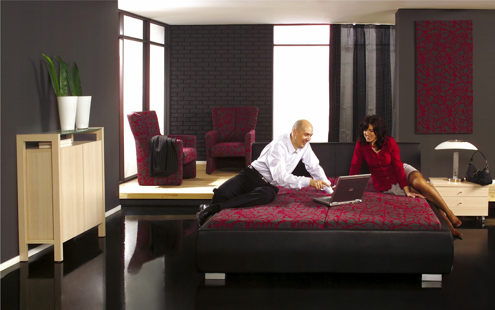 Luxury adult rooms ideas wonderful for Red and black bedroom designs