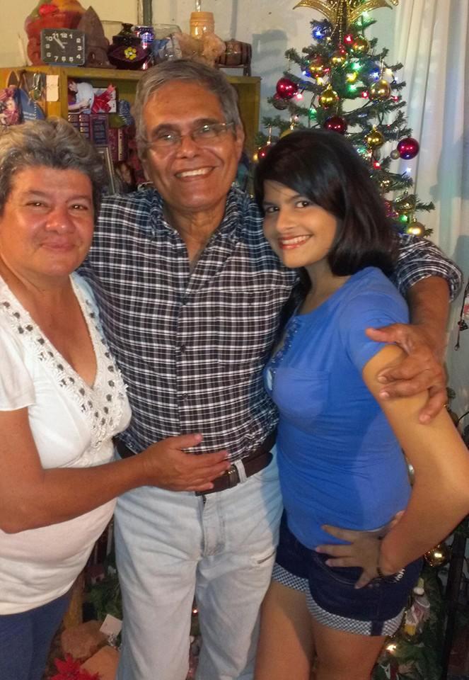 Celina Dias y Epitacio Barrios y Merci Barrios Dias.