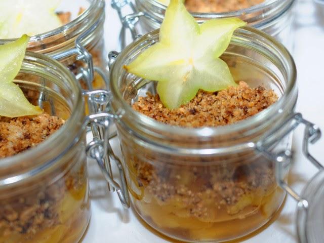 Crumble d'ananas au caramel et vanille en verrine