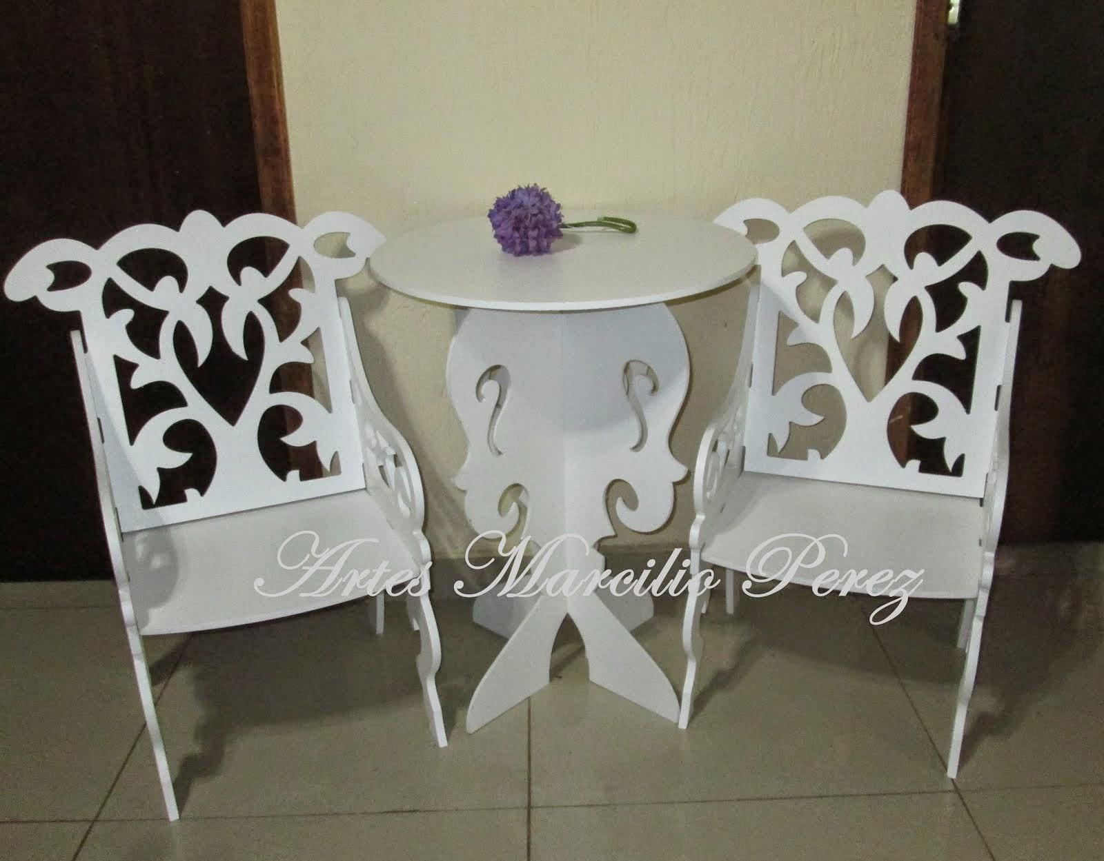 cadeira infantil R$ 80,00 cada