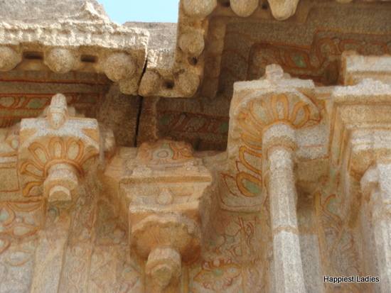 painting on the carvings of stone chariot hampi
