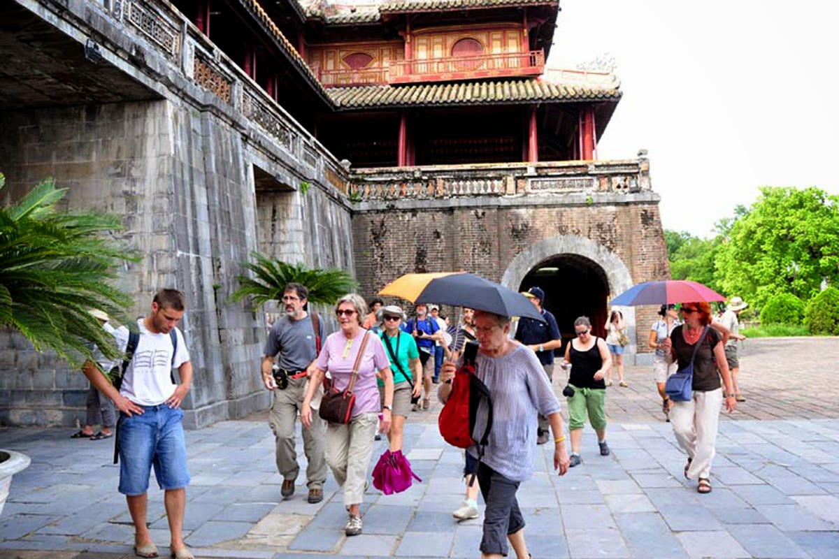 Thua Thien Hue - world Heritage Destination welcomes 10,000 tourists on January 1