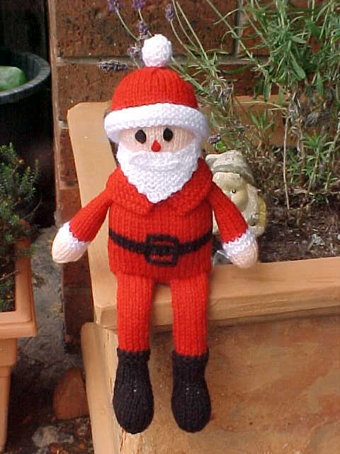Free Christmas Knitting Patterns: SHELF SITTING SANTA TO KNIT