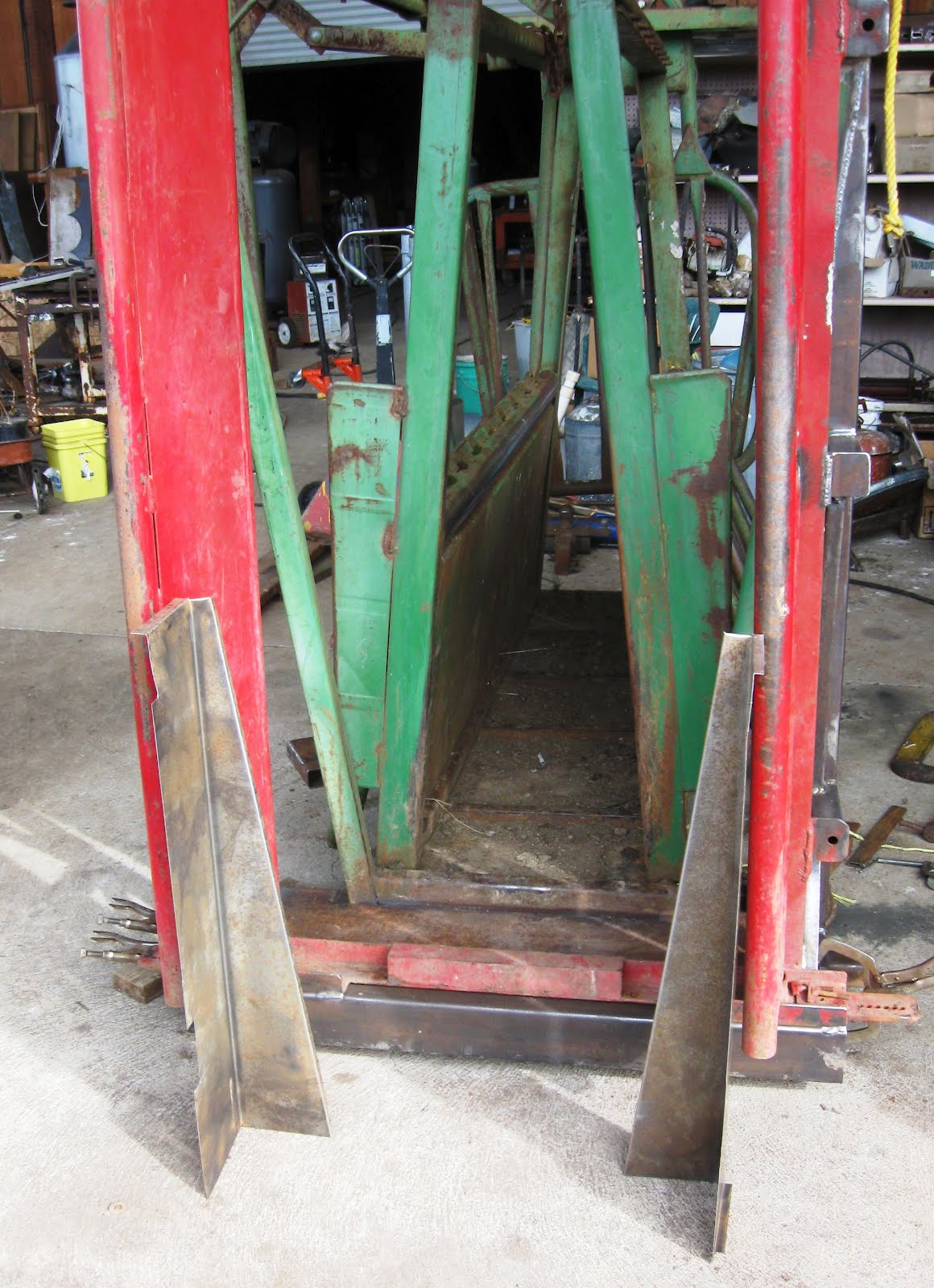 Sheet Metal Chute : Powder river squeeze chute update cattle ranch projects