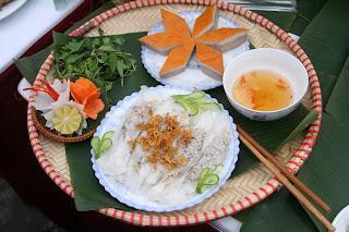 Banh cuon ( stuffed pancake)