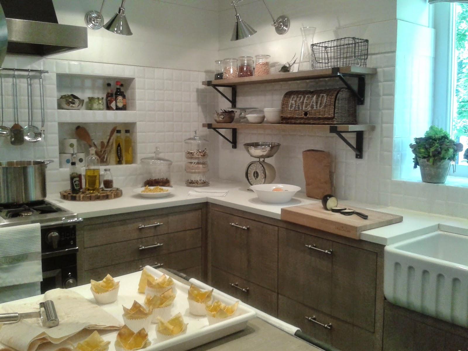 Neutradecor cocinas en blanco - Cocinas con azulejos beige ...