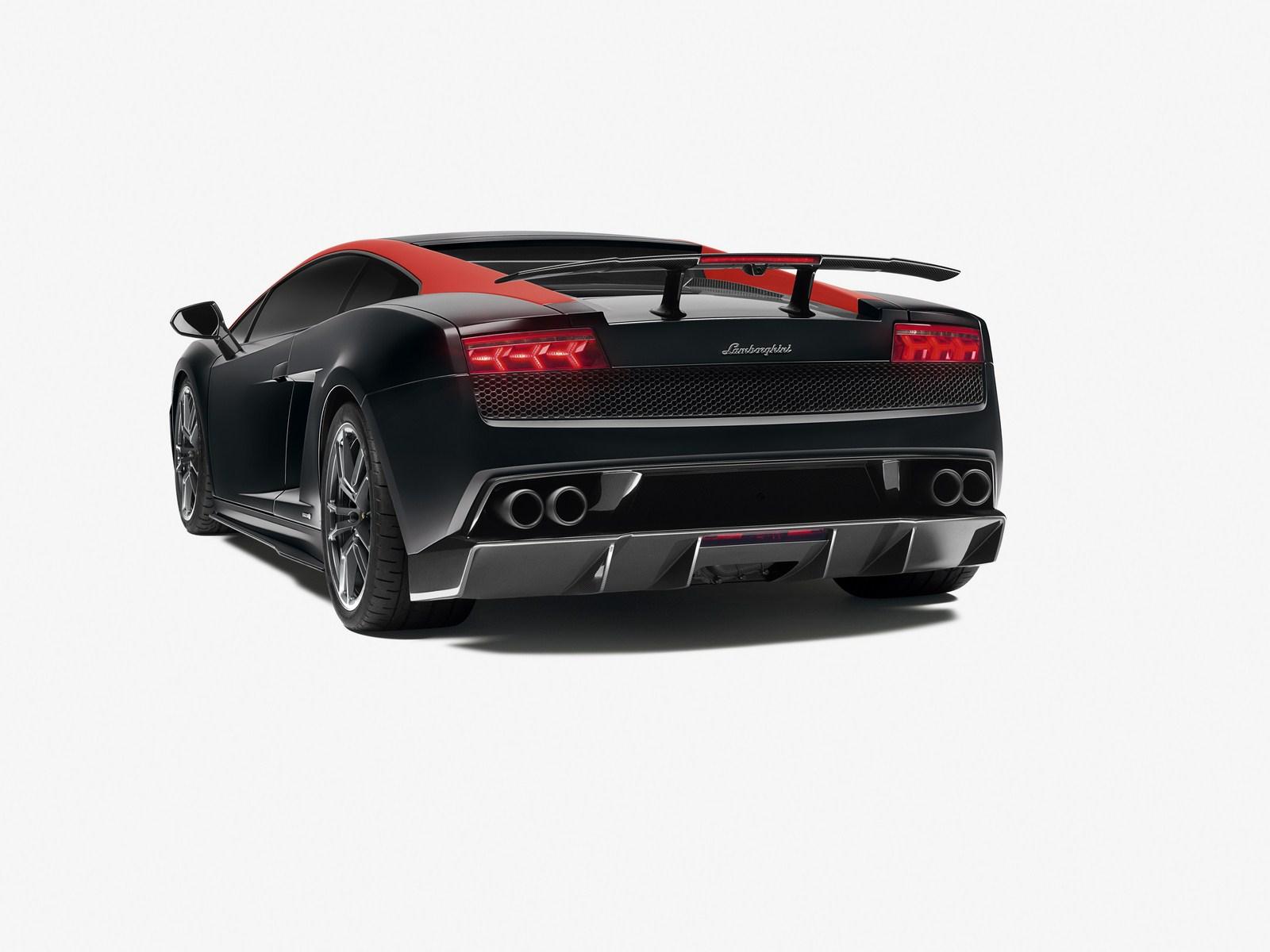 [Resim: Lamborghini+Gallardo+LP+570-4+Edizione+Tecnica+2.jpg]