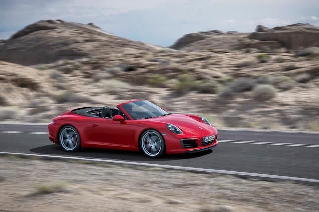 2017 Porsche 911 cabriolet red