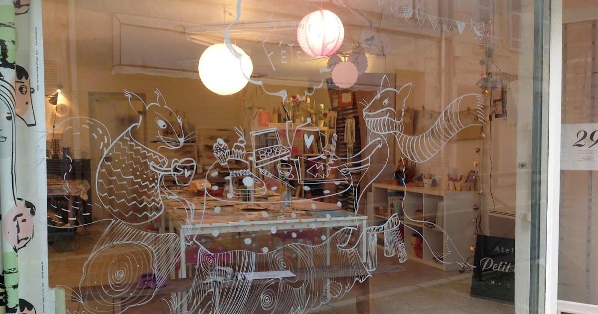 laurianne chevalier vitrine de no l. Black Bedroom Furniture Sets. Home Design Ideas
