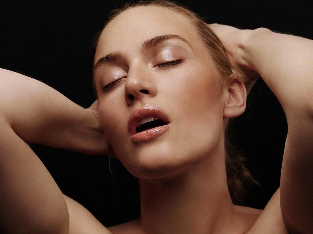 http://3.bp.blogspot.com/-bPHF9jpL8j8/UE-EPmxSSiI/AAAAAAAAAKU/qRhv_7SdzAs/s1600/kate_winslet_titanicBeing-single-is-empowering-Kate-Winslet1.jpg