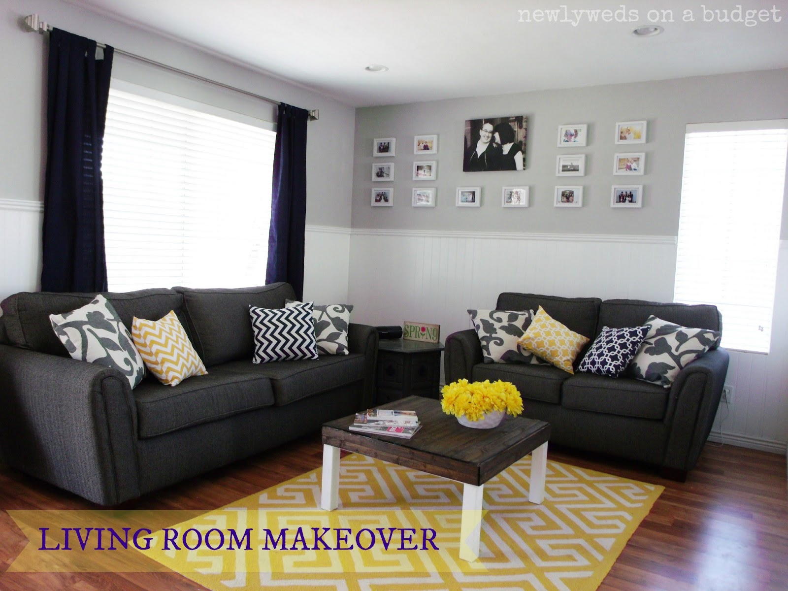 Blue grey colored rooms the interior decorating rooms for Living room yellow and gray
