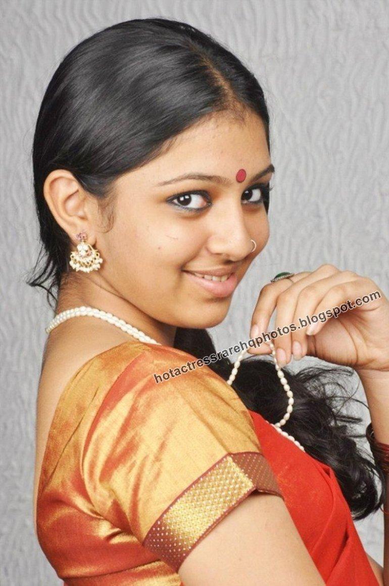 Lakshmi Menon Unseen Photoshoot in Traditional Dress || Mallu Actress