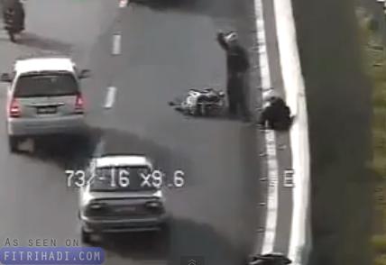 video mangsa dilanggar selepas kemalangan