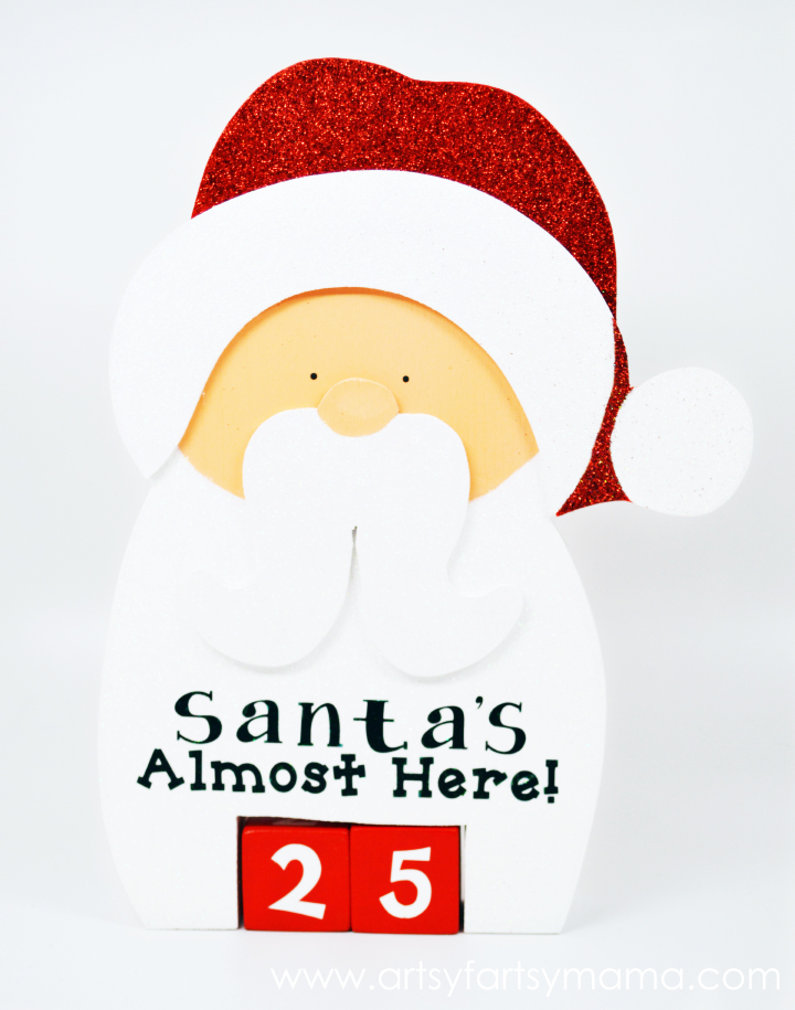 Santa Christmas Countdown at artsyfartsymama.com #Christmas #ChristmasCountdown