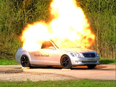 Merc S350 Nyaris Hangus Dibakar