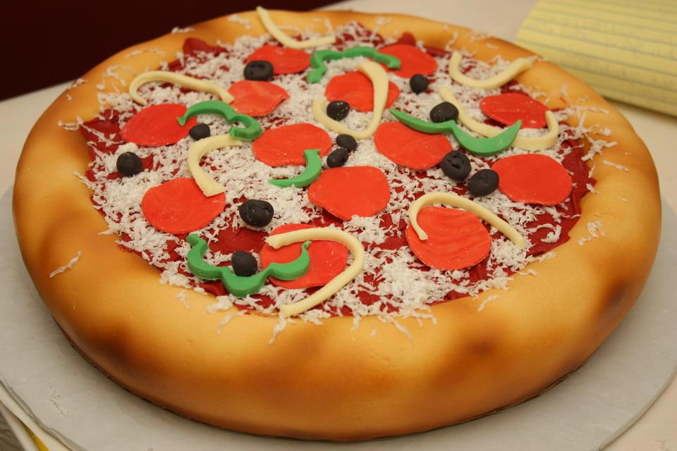 Cake Decorating Ideas Pizza : Adventures in Cake Decorating or