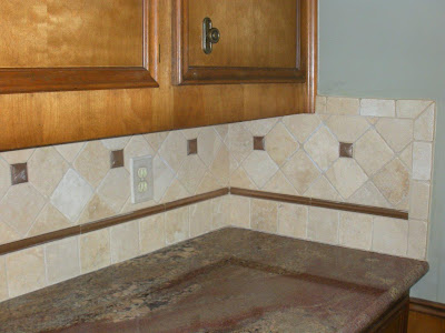 kitchen-backsplash-granite-countertop