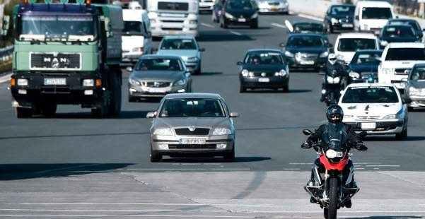 Εξετάζεται παράταση στην πληρωμή του παραβόλου για τα ανασφάλιστα οχήματα