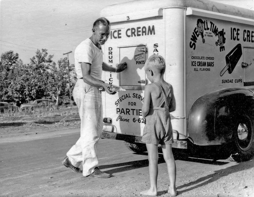 Our Nostalgic Memories: The Ice Cream Man