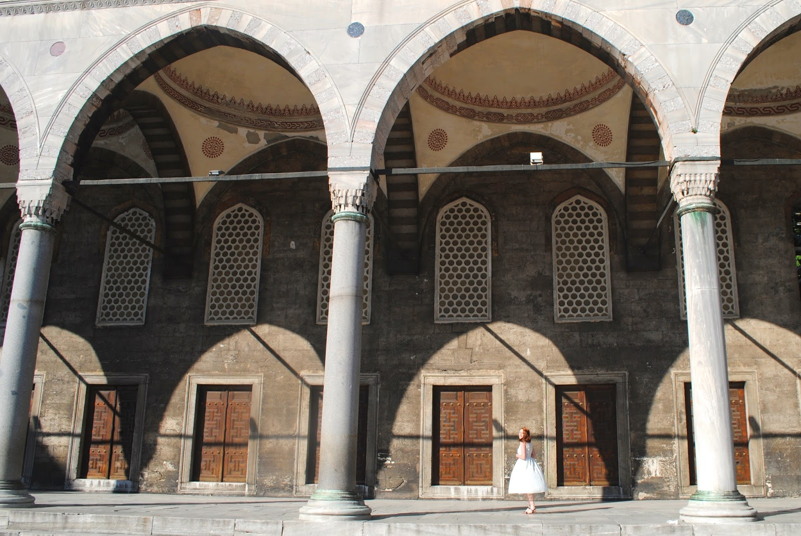 Visit the Courtyard of the Blue Mosque in Istanbul