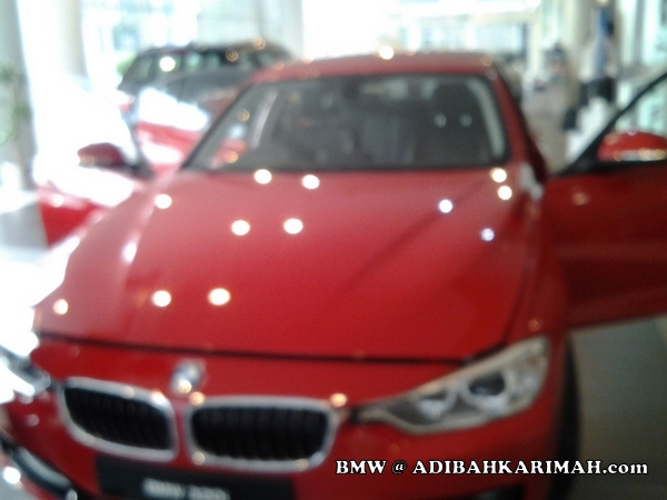 CDM Adibah a premium beautiful top agent at BMW to buy new F30 as for business car