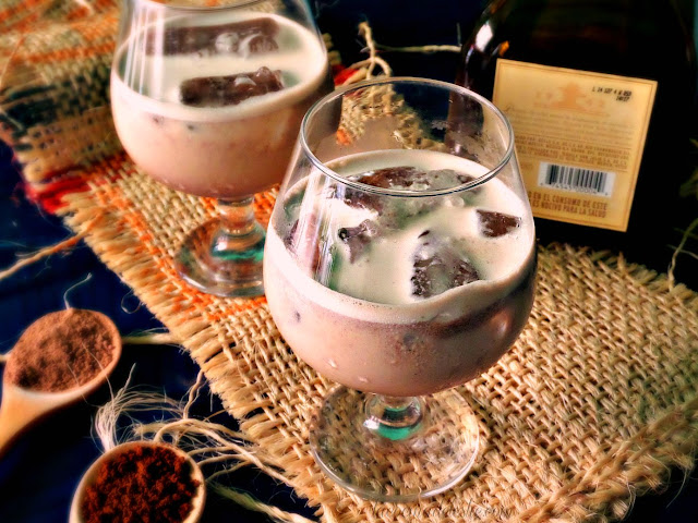 DIY Crema de Tequila - lacocinadeleslie.com
