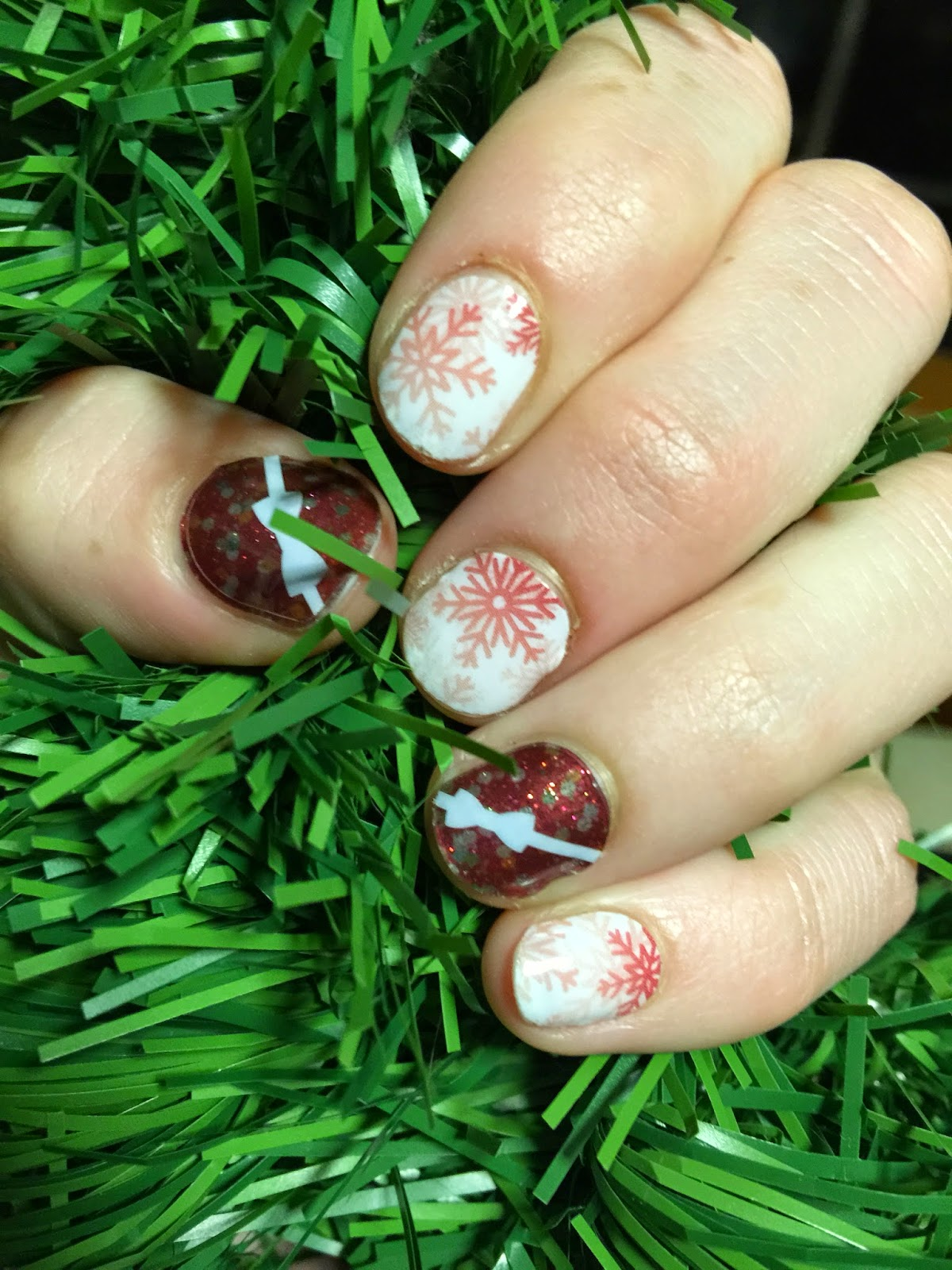Jamberry Nails, Joyful Holiday, Christmas nail wraps, nail wraps, Christmas gifts, gift boxes, nail art, nail wraps